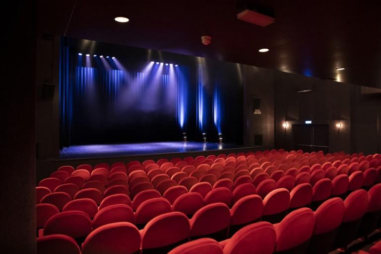 Grote Zaal Theater de Speeldoos Baarn (1) - Foto Mieke Wegerif